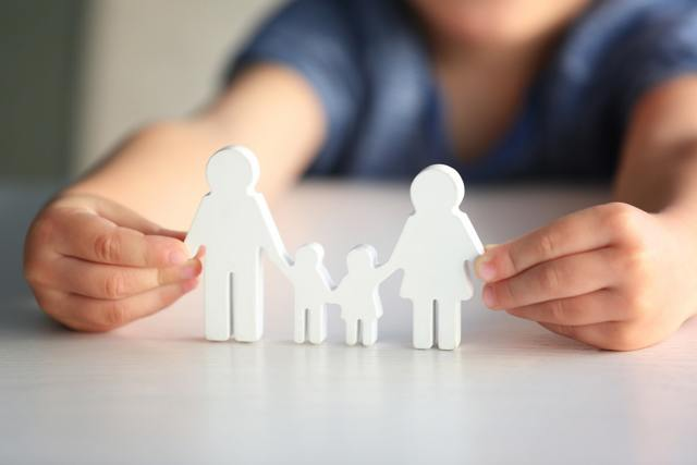 Как можно провести удочерение ребенка жены?