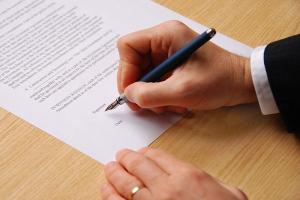 Многих интересует вопрос: как оформляется жалоба в прокуратуру на работодателя?