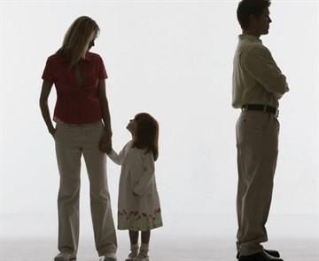 Как лишить бывшего мужа отцовства?