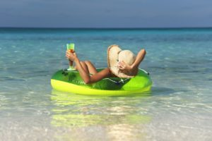 Статья 112 ТК РФ: как законодательство защищает право граждан на отдых