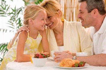 Как поменять ребенку фамилию после развода и нужно ли это делать вообще?