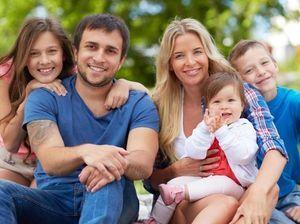 Что полагается многодетным семьям: кому положена помощь и льготы