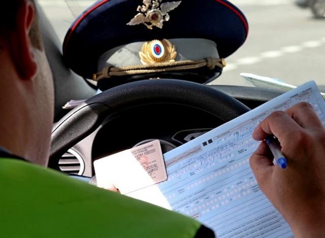 Требуемые условия для решения вопроса, нужно ли сдавать экзамен после лишения прав