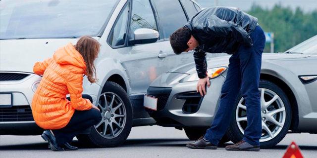 В чью страховую обращаться при ДТП: виновника или свою