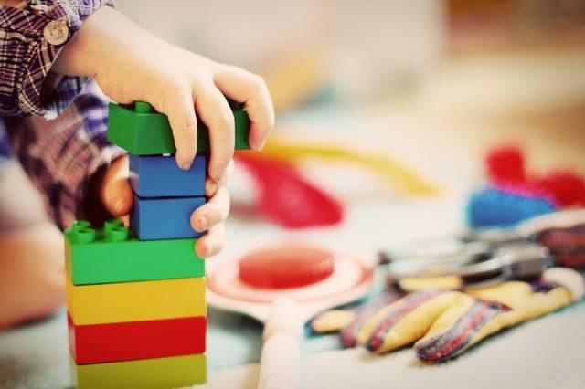 Где встать на очередь в детский сад? Необходимый пакет документов