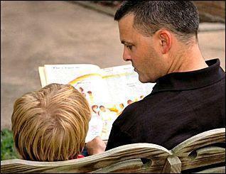 Ограничение родительских прав отца: полезная информация для начинающих юристов