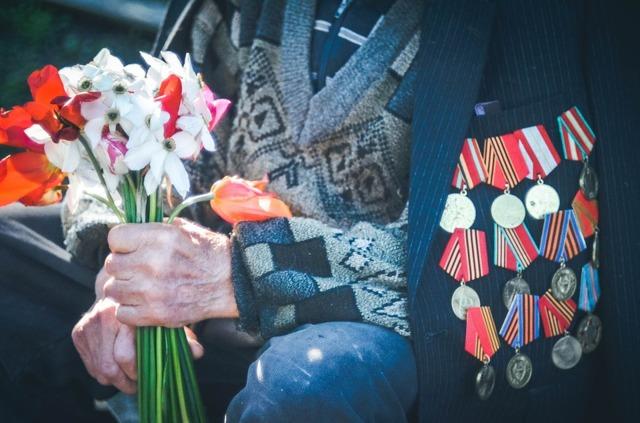 Статья 16 ФЗ РФ от ветеранах – кому положена социальная помощь, в чем ее суть