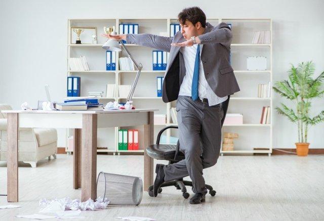 Как уволить сотрудника на больничном? Права и обязанности работодателя