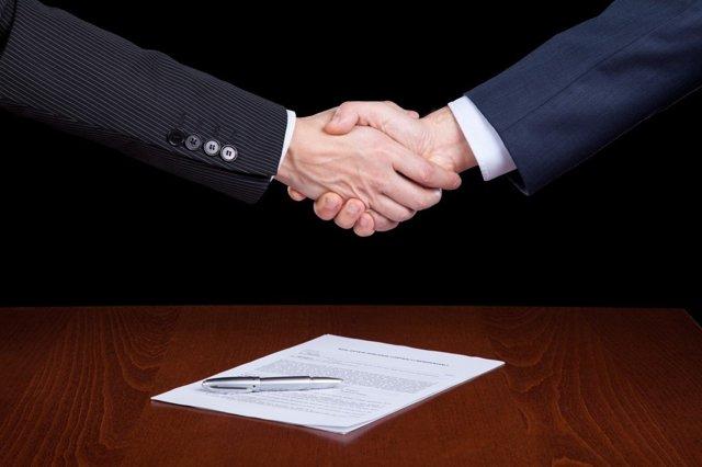 Договор между ИП и ООО: особенности и виды