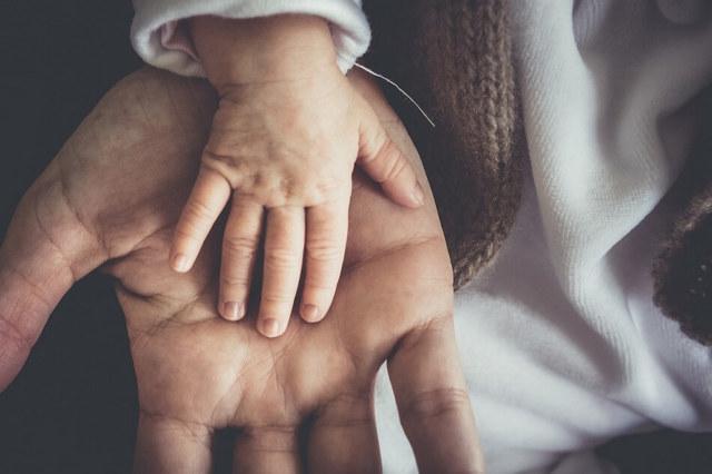 Признание отцовства через суд в России – подробный разбор процедуры