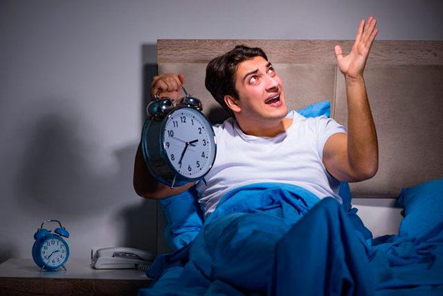 Со скольки можно шуметь в квартире? Не нарушаем законы…