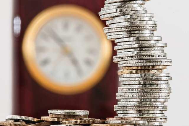 Получение заработной платы по доверенности: особенности документа